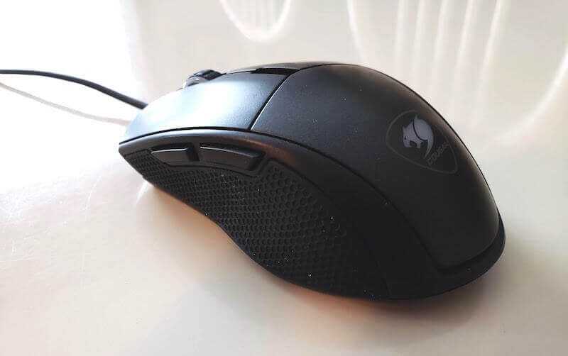 Profile view of Minos X5 mouse