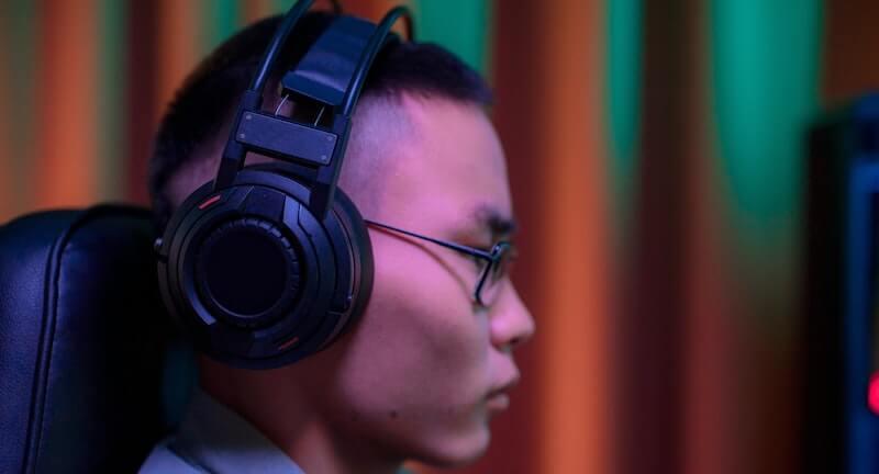 gaming headset for glasses